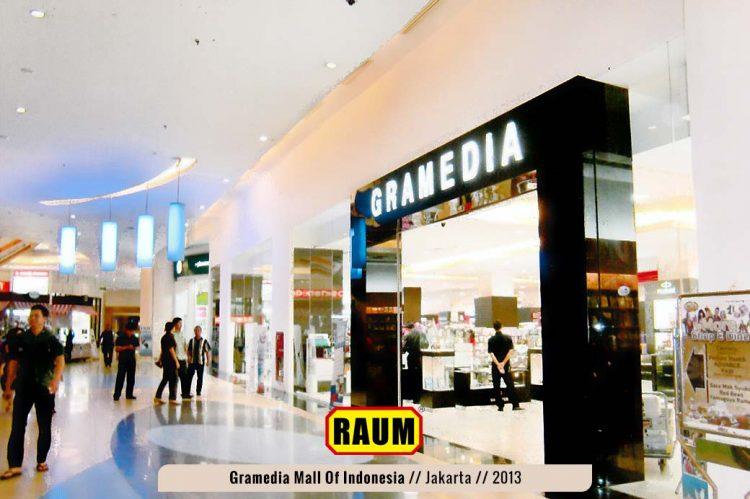 01 Toko Buku Gramedia Mall Of Indonesia - interior asri by raum
